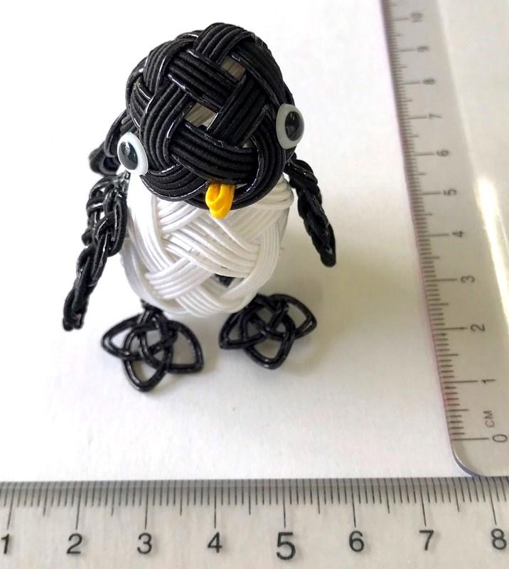 水引結びで作るペンギン 正面