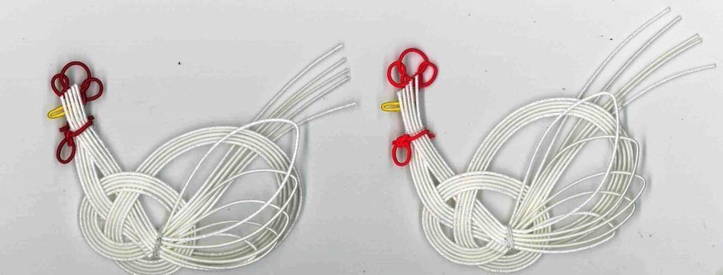 水引の飾り結びで鶏を表現